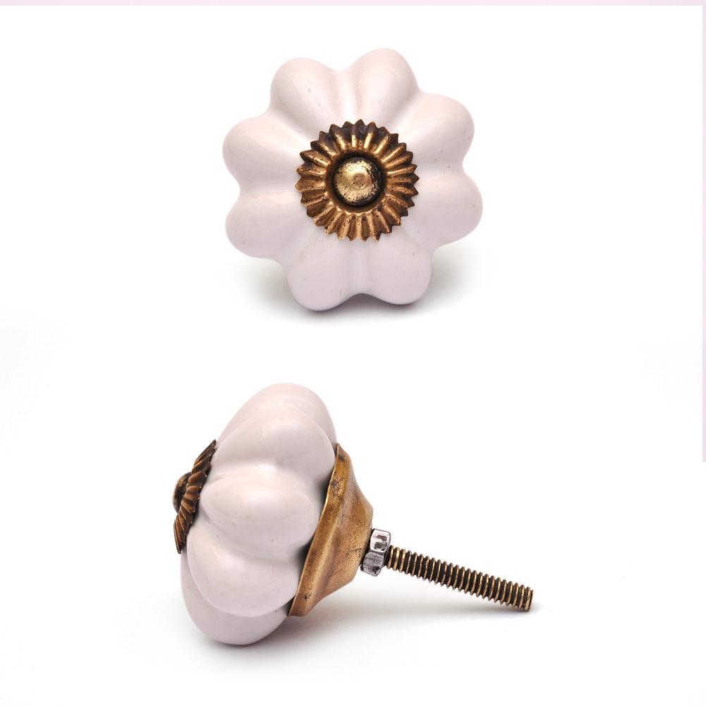 PotteryVille White Flower Cabinet Knob