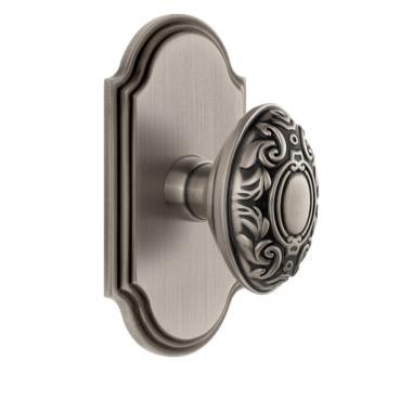 Grandeur Grande Victorian Door Knob Set with Arc Short Plate Antique Pewter