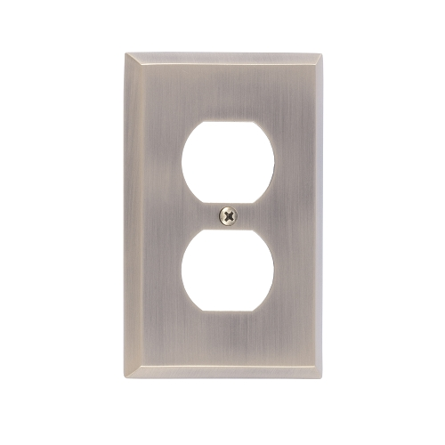 Brass Accents M07-S4510-609 Quaker Single Outlet Plate
