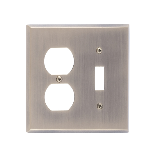 Brass Accents M07-S4540-609 Quaker -Single Switch and Single Outlet Plate