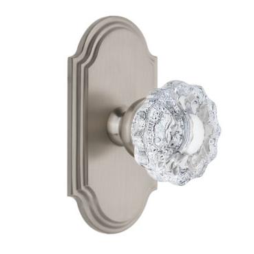 Grandeur Versailles Door Knob Set with Arc Short Plate Satin Nickel