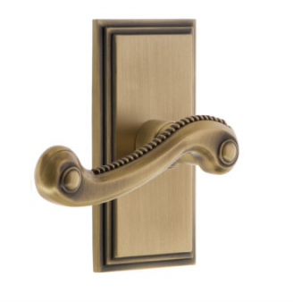 Grandeur Newport Lever Set with Carre Short Plate Vintage Brass