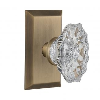 Nostalgic Warehouse Studio Plate with Chateau Crystal Knob Antique Brass